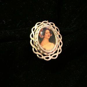 Darling Cameo Portrayal Style Vintage Ring